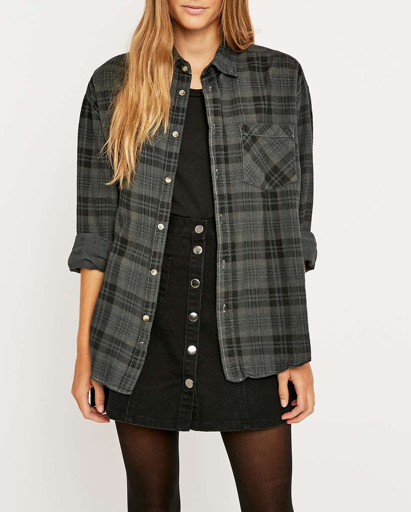 Customized oversized women spring grey plaid flannel for Oversized plaid shirt womens