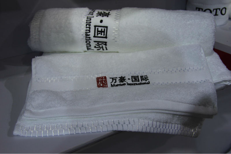 100% cotton hotel Monogrammed bath towels with Monogrammed marks