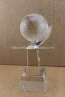 Pujiang Clear K9 Crystal Award with Globe in Hand,Exalted Crystal Glass Trophy/Gift/Souvenir for Events