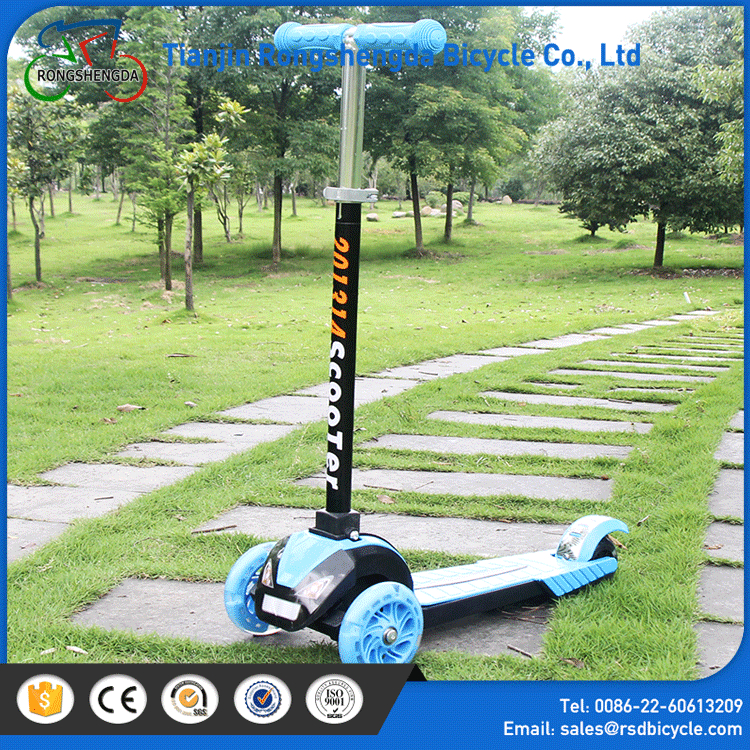 Optional color child scooter/2016 popular high quality kids scooter /Portable modern three wheel kick scooter for sale