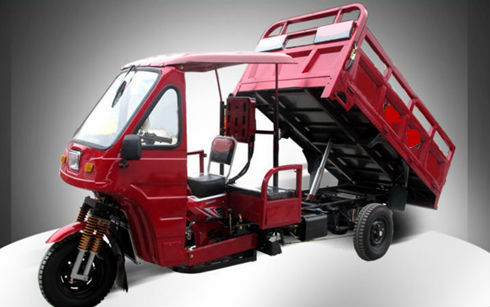 popular three wheel semi closed motrized tricycle in India cargo with hydraulic lifter