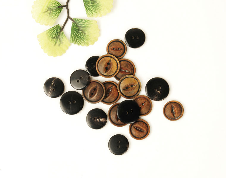 Horn Buttons Round 2-Hole Fish Eyelets Buttons for Men's Suits with Burnt Brown Effect