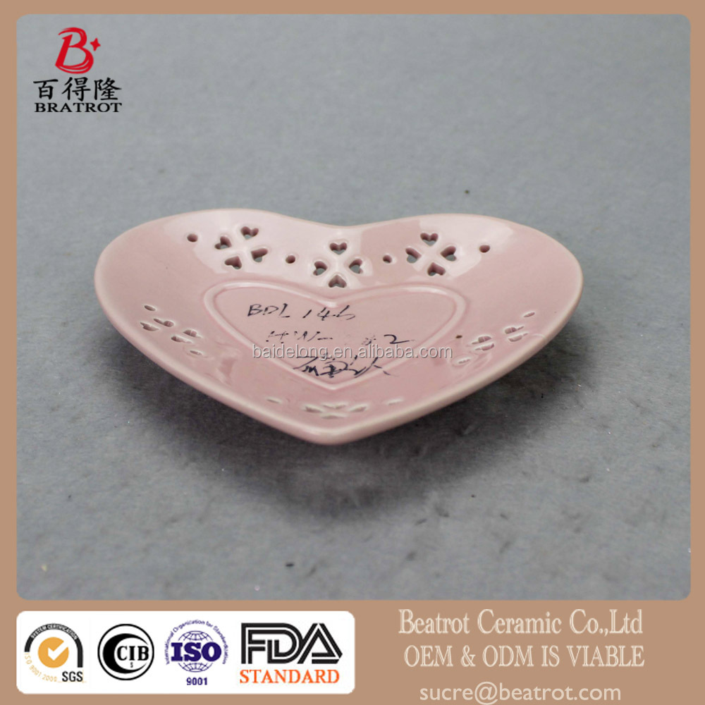 Creative Bath Products Eyelet Ceramic Soap Dish