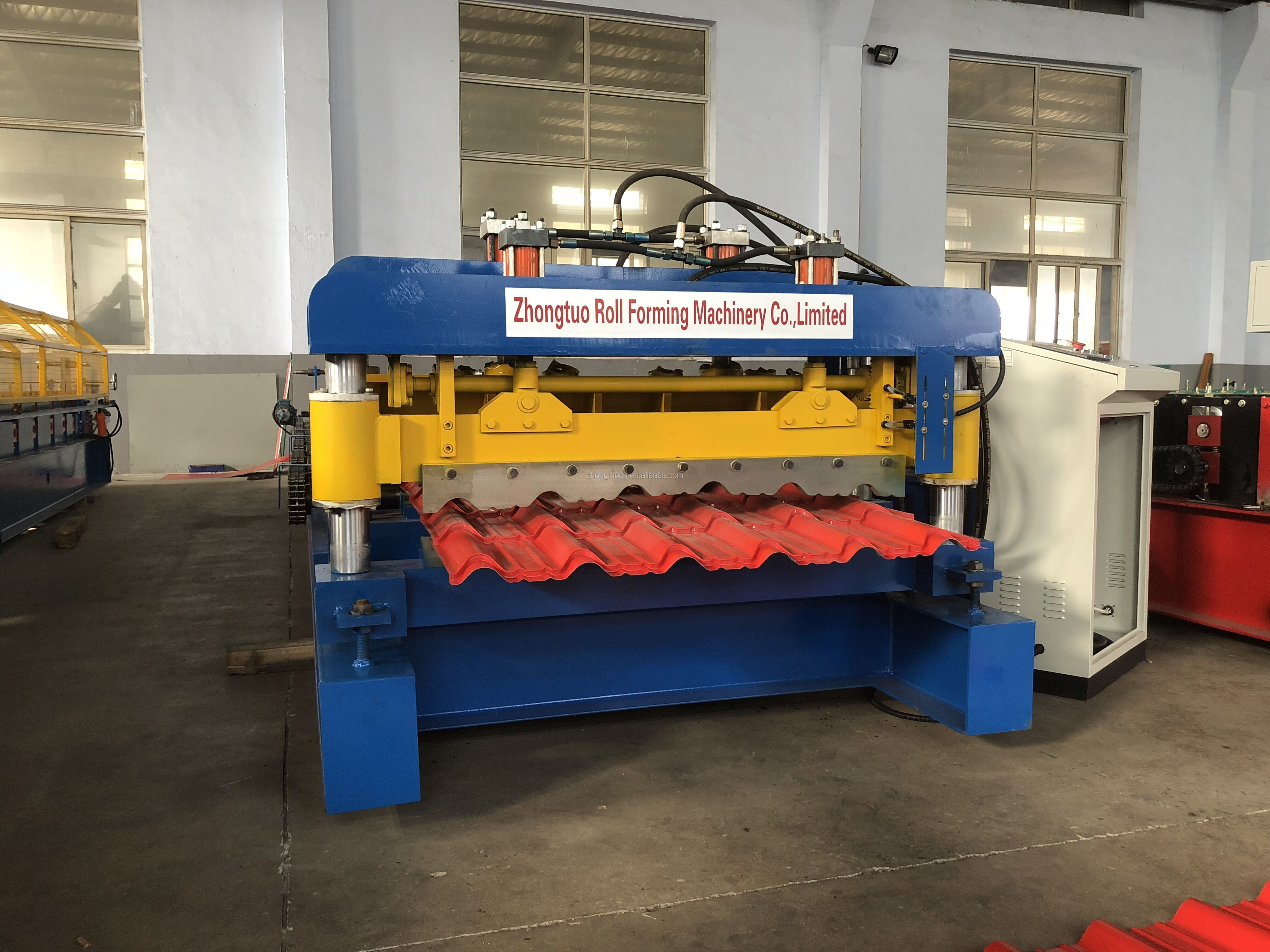 ZT970 Glazed tile roll forming machine Macedonia