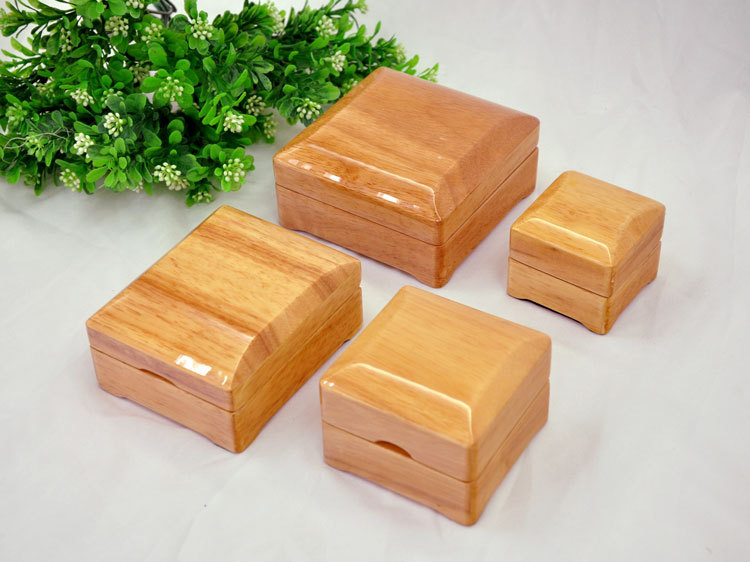 Wholesale OEM/ODM Lacquer Craft Oriental Antique Wood box Gift Box for jewelry Display