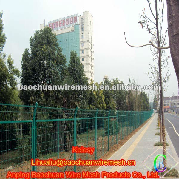 Green pvc coated welded tree protection fence