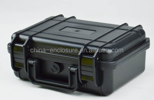 China Manufacturer Rugged Hard plastic carrying equipment case with foam
