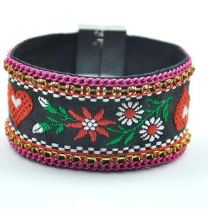 YX038 Huilin Women Unique Ribbon Floral Embroidered Leather Bangle Bracelet