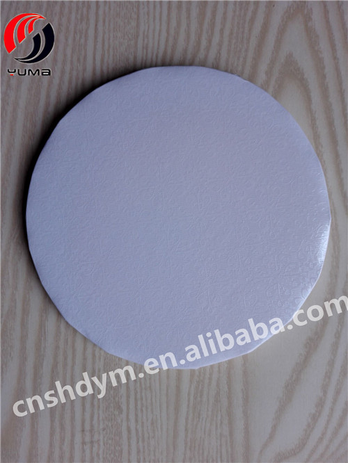 sturdy white corrugated cardboard cake board circle