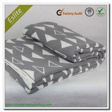 Triangle Pattern Machine Knitted Recycle Cotton Blanket