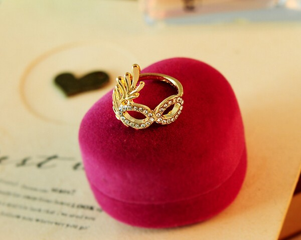 Hot sale dimond flower Charm Lovely Party fancy mask shape Alloy Ring