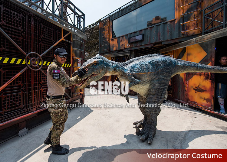 Amusement Park Customized Realistic Dinosaur Costume Sale