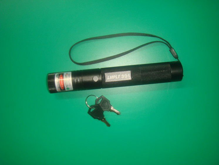 Focusable 200mw green flashlight burning match laser pointer