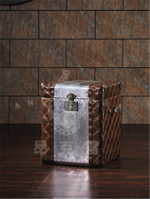 Silvery decorative storage boxes with alminium covered L816