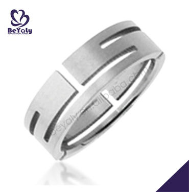 New design finger ring jewelry customized titanium gear ring