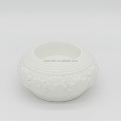Homeware Decorative Table Top Elegant Handcraft Embossed Porcelain Candle Holders