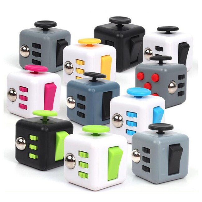 2017 Mini Desk Lot Toy Squeeze Fun Anti Anxiety Boredom Reliever Stress Stress Fidget Cube for Fidgeters