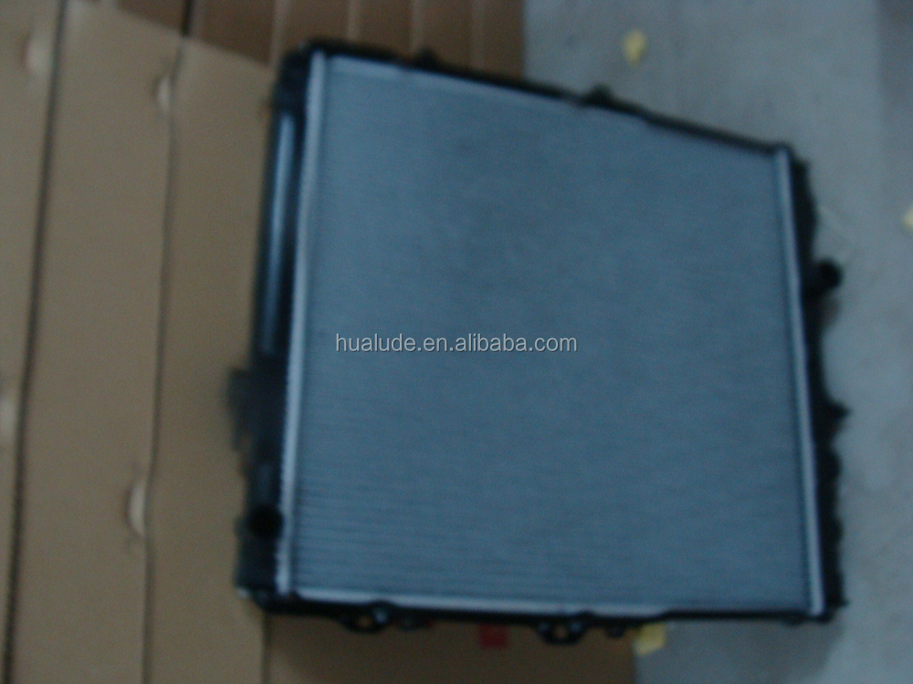 Aluminum brazed welding car radiator price For Toyota Hilux 3L