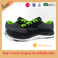 OEM and ODM style add customer's logo expensive flyknit Men's running shoes Multiple size 36-45#