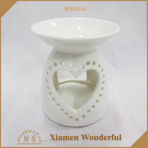 Custom Ceramic Fragrance Oil Burner With Heart Design