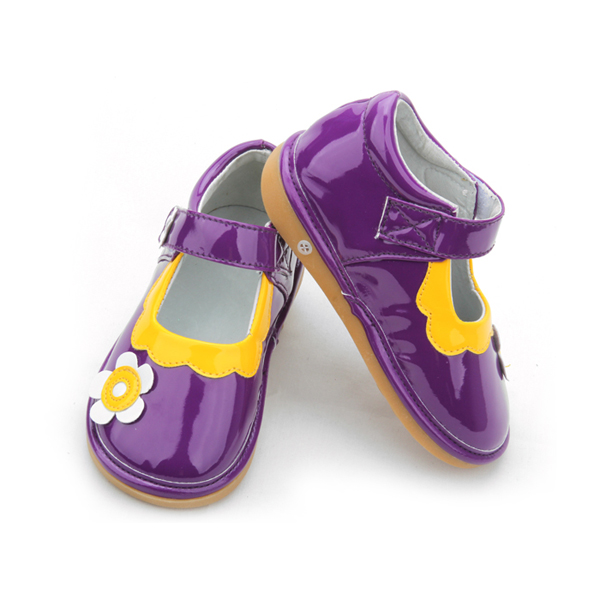 Summer beautiful baby squeaky perfect steps shoes