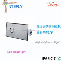 Rechargeable 15W led solar street light Long life Battery pole optional