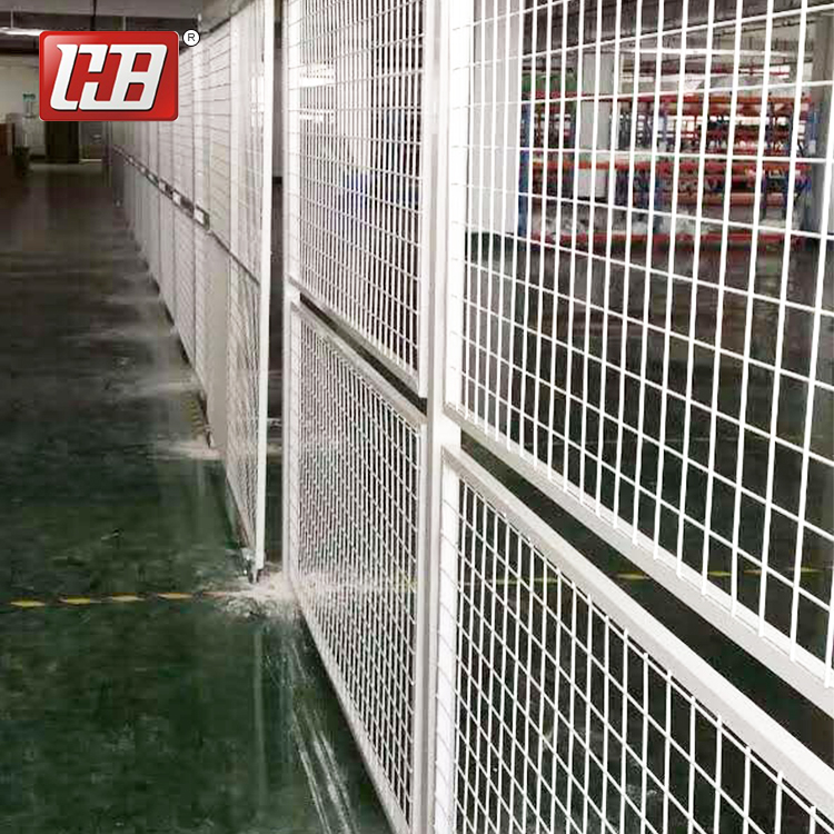 Manufacturers price Low-Carbon welded metal wire mesh fence