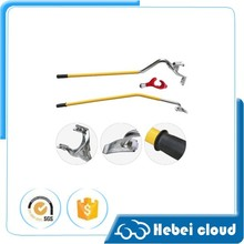 Tire changing hand tool for tire of trucks