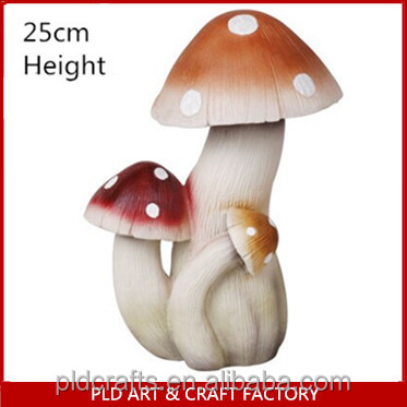 creative Christmas funny gift resin colorful mushroom statue cheap wholesale home decoration