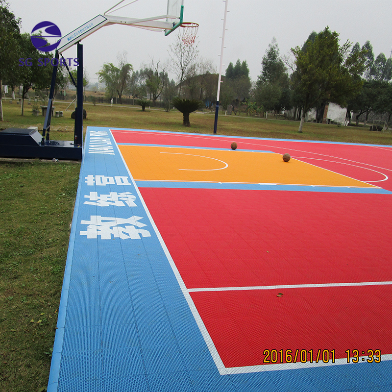 FIBA certificate interlocking outdoor basketball flooirng size standard size
