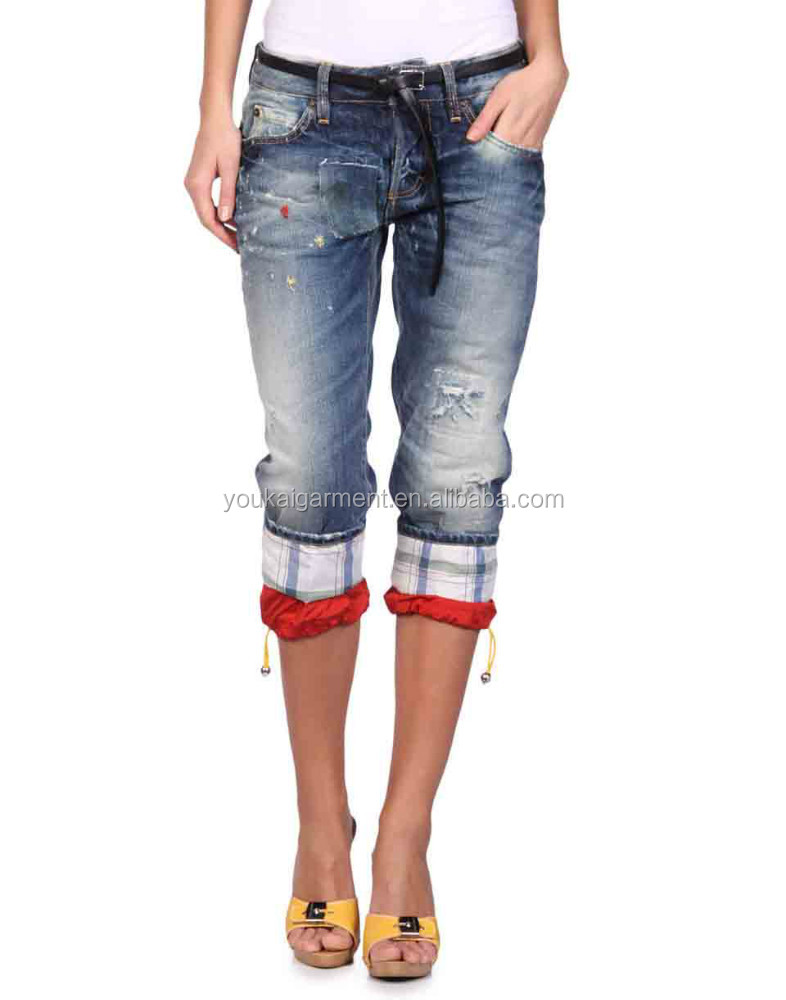 Lastest design women fashion wash blue denim capri,griding denim jeans 1/2 pants wholesale manufacturer
