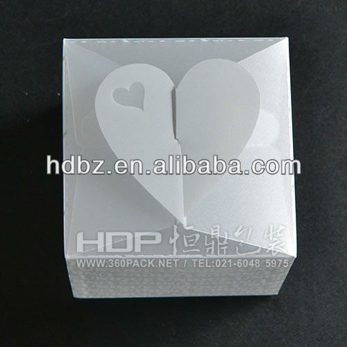 heart shape plastic candy box