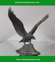 Replika bronze eagle on black ball sculpture