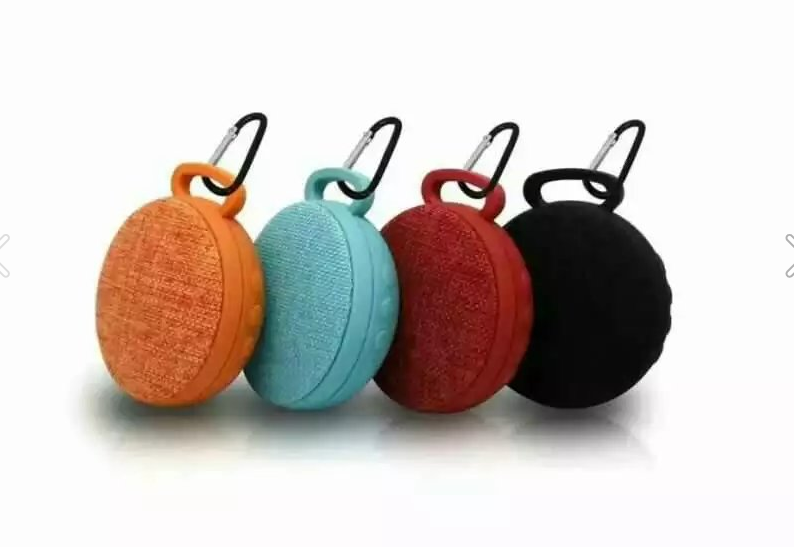 Hottest Fabric cover Fashion Wireless Stereo Bluetooth Speakers with a hook
