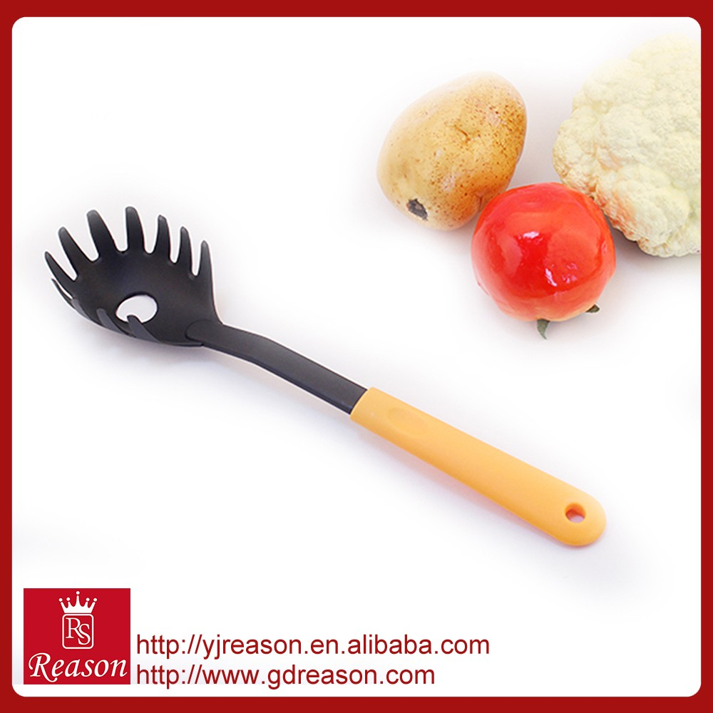Food standard plastic handle nylon household kitchen accessory pasta server