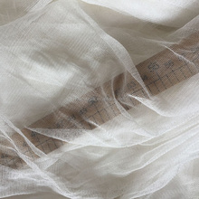 Howmay 100% pure silk tulle fabric 30gsm 135cm white silk knitted transparent soft tulle fabric for wedding dress evening gown