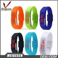 Shenzhen Wholesale promotional candy color waterproof rubber reloj pulsera led