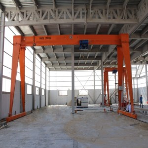 China Widely Used 10t 15t 20t 25t 30t 35t 40t 45t 50t small gantry crane electric hoist Gantry Crane Supplier