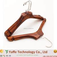 China Manufacturer Clothes Wood Hanger