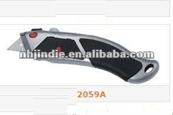 Safe retractable Utility Knife