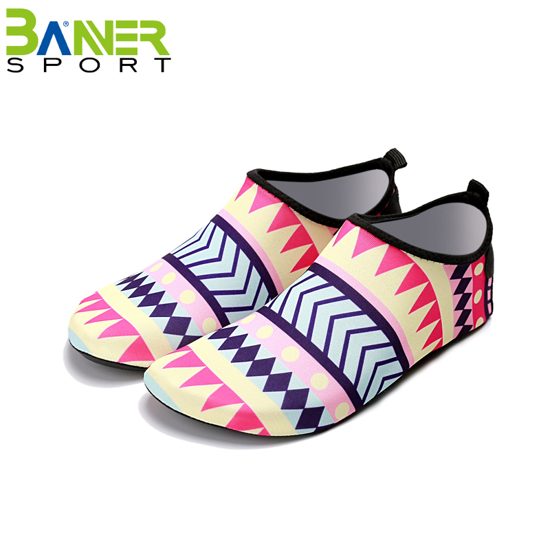 Slip-on Beach Water Sneakers Breathable Barefoot Aqua Sock Shoes Wading Shoes for Kids Men Women