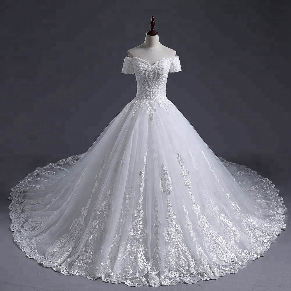 Bridal Gowns Long Train 3D Flowers Lace Luxury Wedding Dress Puffy Off Shoulder Wedding Dress White Lace 2018 Wedding Dress