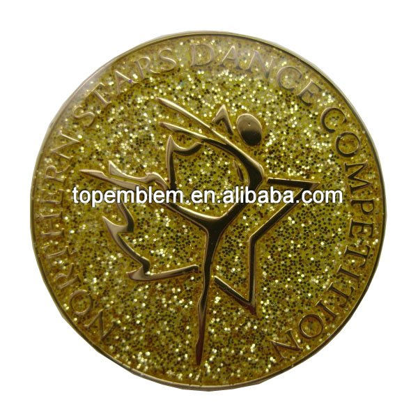 Maple Leaf lapel pin badge