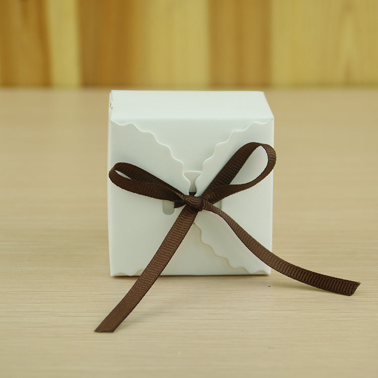 White birthday party decorations craft paper <strong>box</strong> with silk ribbon