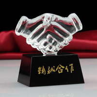 2017 New Design Clear crystal with Black Base Shaking Hand Trophy