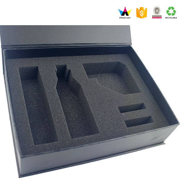 2018 Custom Black Rigid Magnetic Closure Gift Box Wholesale