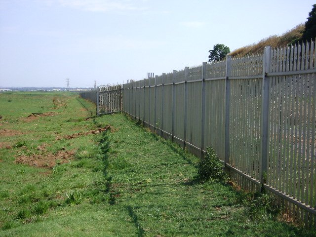 Stainless Steel Palisade fence electrified.