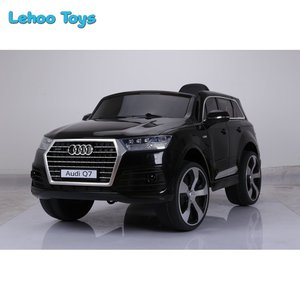 Hot toys Audi Q7 Licensed kids Car RC electric Ride on Car 6V7AH battery with two doors open for children
