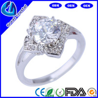 round zircon flower rings with 4 leaf and round zircon jewelry factory