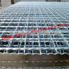 Hot-dipped Galvanized serrated steel bar gratings/ Electro-Welded Bar Grating/ Serrated Steel grating